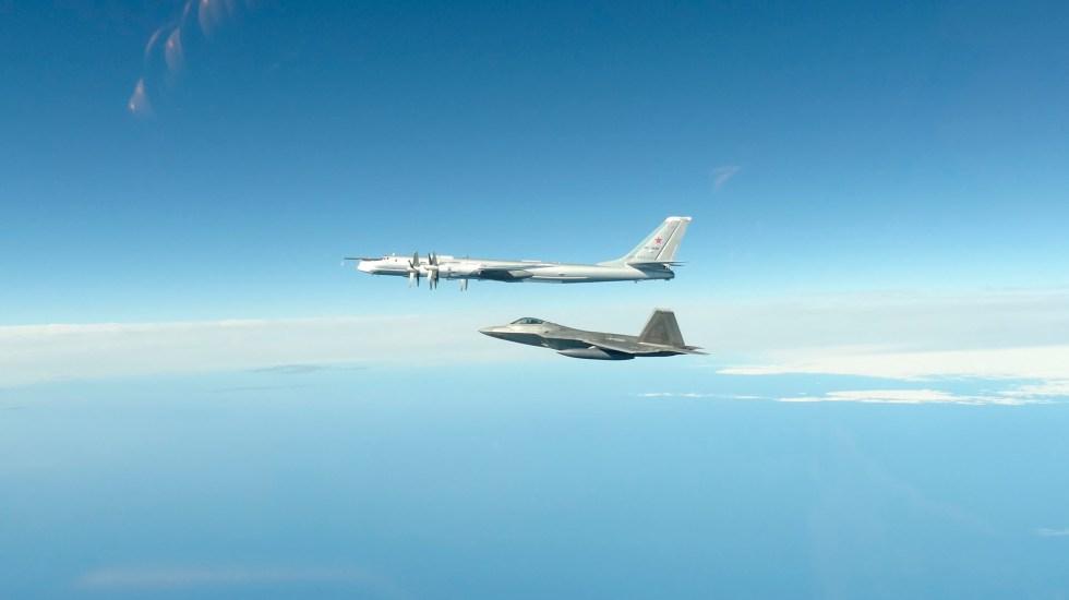 Fuerza Aérea de Estados Unidos intercepta cuatro aviones rusos cerca de Alaska - aviones rusos eeuu