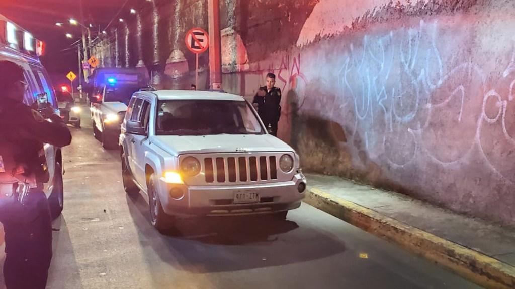 Motociclistas pierden extremidades en choque en la Ciudad de México - Camioneta cuyo conductor embistió a motociclistas en la Magdalena Contreras. Foto Especial