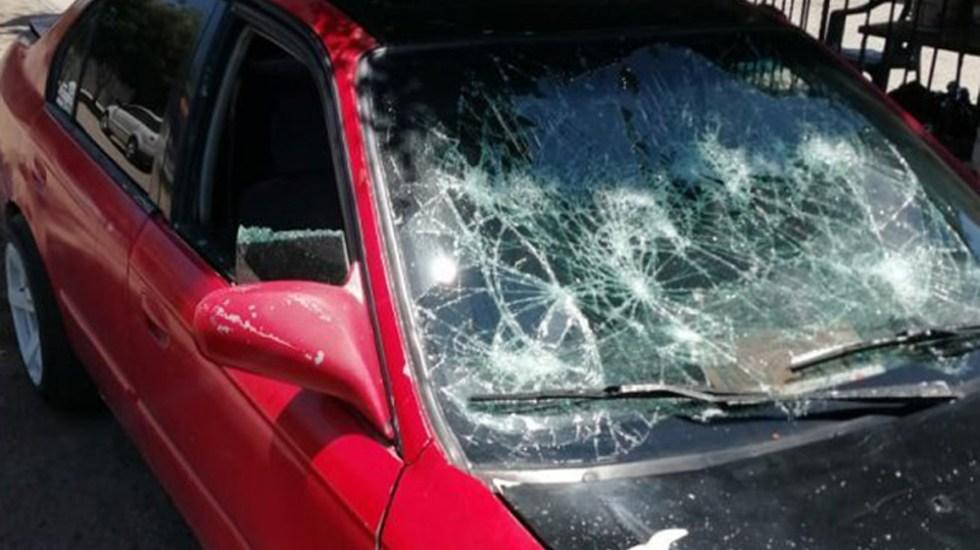 Detienen en Sonora a mujer por herir a su pareja con navaja - Daños que mujer le provocó al auto de su pareja en Hermosillo, Sonora. Foto de Sonora en Equipo