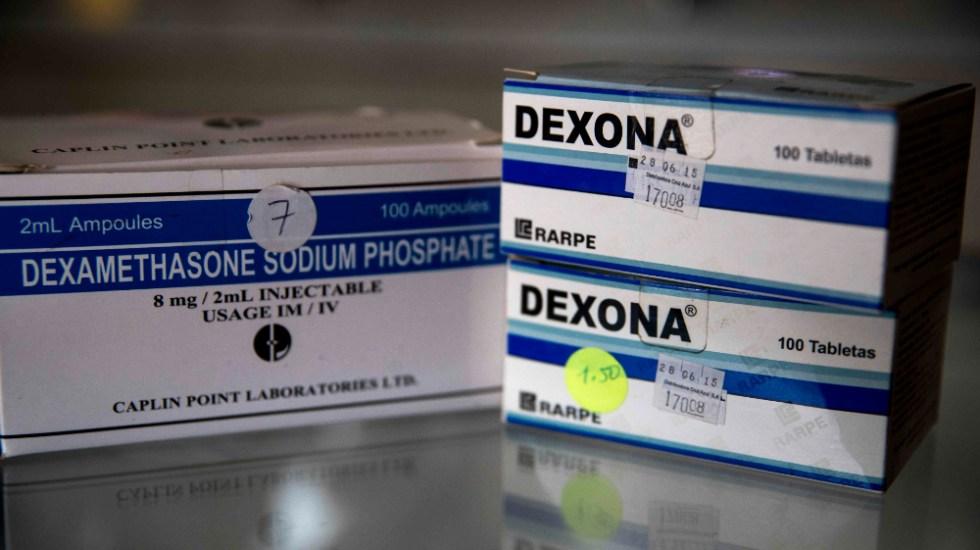 Dexametasona aumenta riesgo de contraer infecciones, alerta López-Gatell - Vista de unas cajas con dexametasona. Foto de EFE