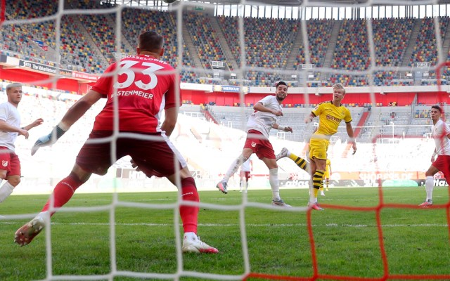 Gol de último minuto de Haaland da triunfo al Dortmund sobre el Fortuna - Gol de último minuto de Haaland