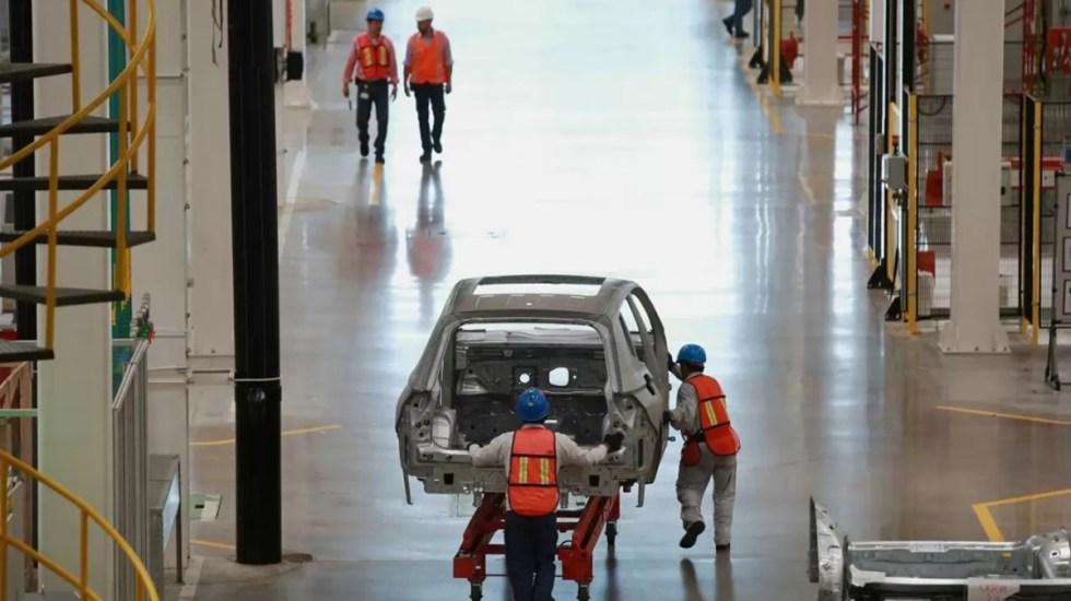 Industria automotriz de México prepara reapertura con protocolos sanitarios - Industria automotriz. Foto de Bloomberg