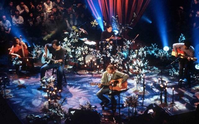 Subastan en 6 mdd guitarra que Kurt Cobain uso en Unplugged - Foto de Music and Rock