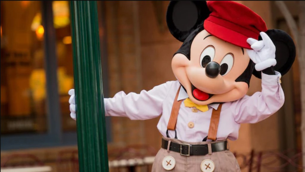 Disneyland no reabrirá en California tras repunte de casos de COVID-19 - Mickey Mouse en Disney California Adventure. Foto de disneyland.disney.go.com