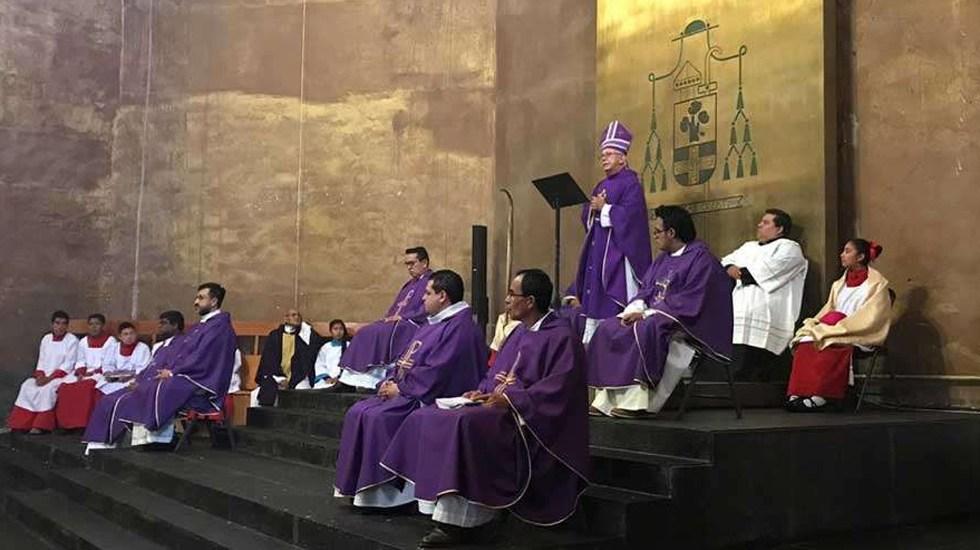 Obispo de Cuernavaca culpa a la homosexualidad y aborto del COVID-19; emiten recomendación - Mons. Ramón Castro Castro preside misa en la Catedral de Cuernavaca. Foto de @MonsRamonCastro