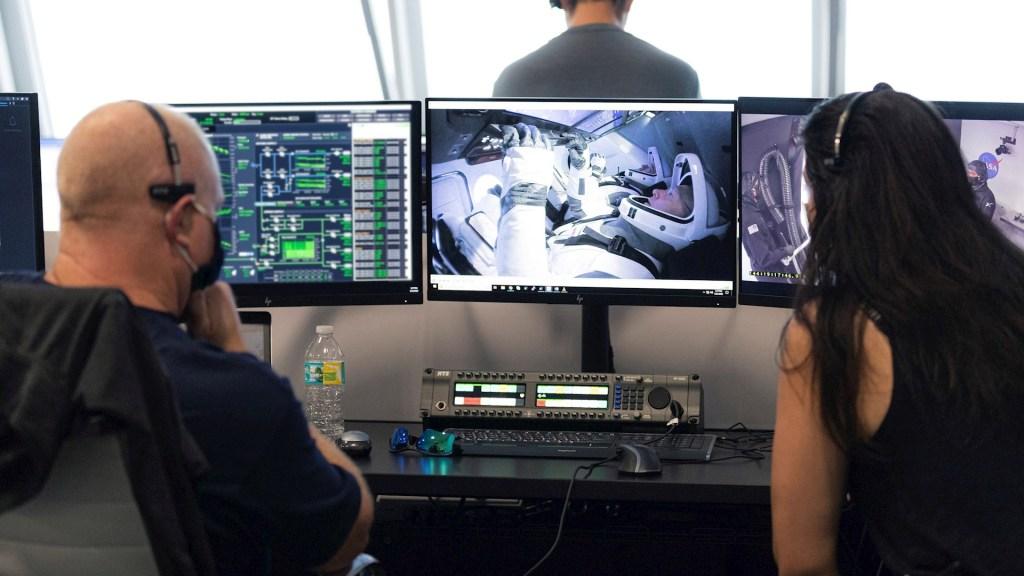Astronautas que llegaron a EEI desde EE.UU. destacan suavidad del viaje. Noticias en tiempo real
