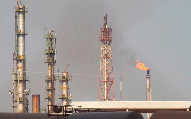 OPEP acuerda extender restricciones de producción de petróleo hasta julio - OPEP petróleo producción