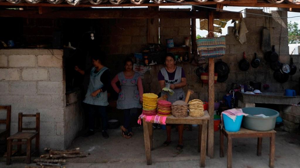COVID-19 podría llevar a la pobreza al 76 por ciento de los mexicanos: estudio - pobreza México coronavirus COVID-19