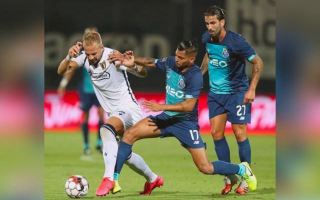 Gol de 'Tecatito' Corona resultó insuficiente; Porto cae contra el Famalicão - Porto vs Famalicão
