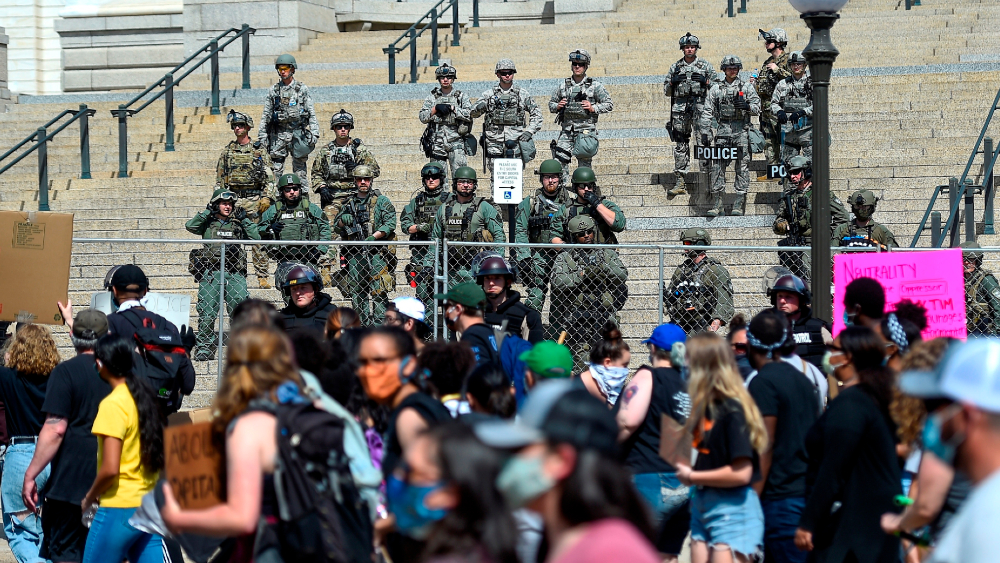 """Trump exige mano dura contra manifestantes para """"poner fin"""" a las protestas - Foto de EFE"""