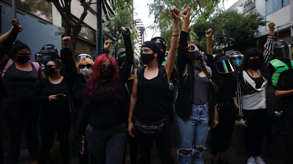 Feministas protestan frente a instalaciones de SSC por agresión a menor - SSC protestas feministas marcha