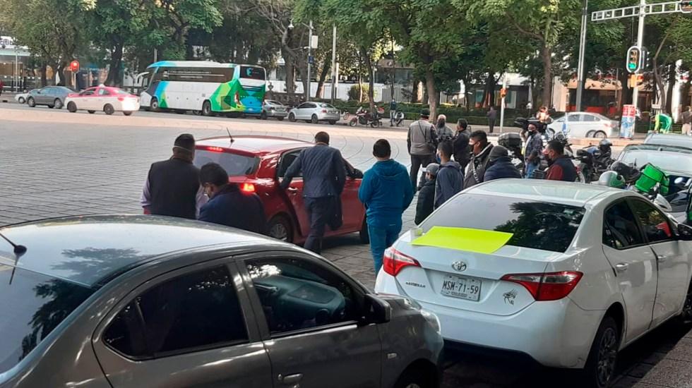 Taxistas por aplicación se dirigen al Zócalo - taxistas app ángel de la independencia zócalo