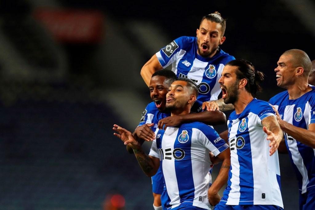 #Video 'Tecatito' Corona anota y le da el triunfo al Porto - Foto de EFE