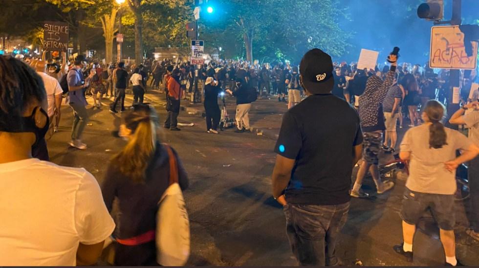 Estadounidenses expresan su rabia por el asesinato de George Floyd - Foto de @MattGregoryNews