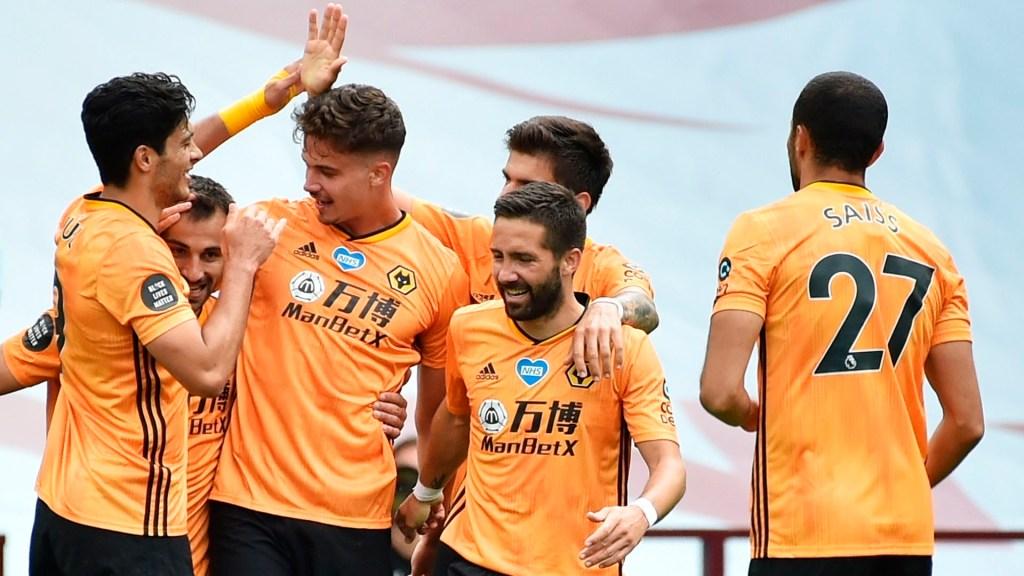 Wolverhampton de Raúl Jiménez se mete a puestos europeos tras vencer al Aston Villa - Wolverhampton Raúl Jiménez