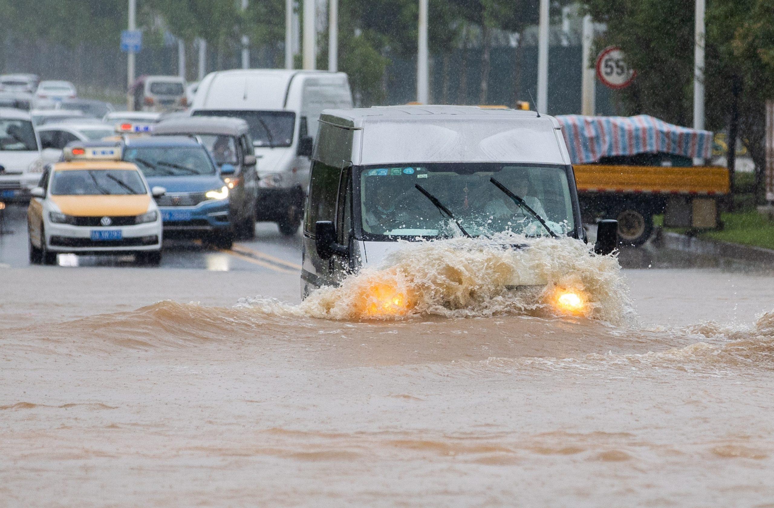 Wuhan eleva su nivel de alerta por las inundaciones en China