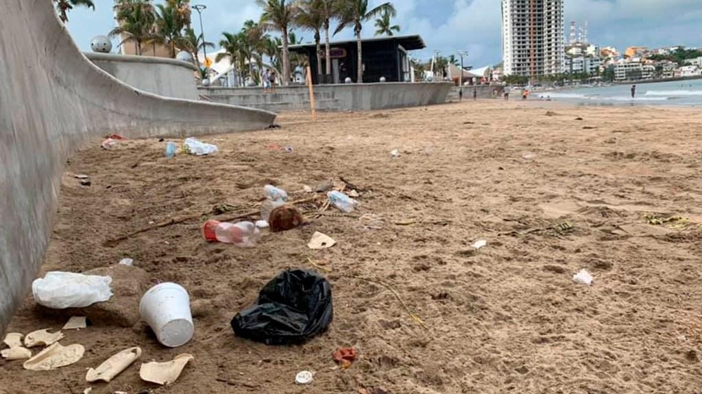 Visitantes generan 19 toneladas de basura en playas de Mazatlán tras reapertura - basura playas Mazatlán
