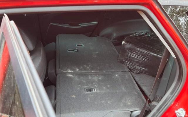 Aseguran en Quintana Roo camioneta con presunta cocaína ligada a aeronave incendiada - Camioneta abandonada con droga en Quintana Roo