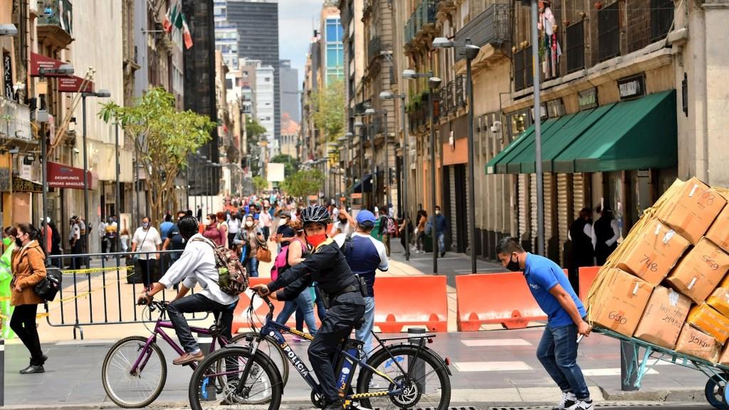 Lo peor de crisis económica por COVID-19 quedó en abril y mayo: Banorte - Coronavirus en la Ciudad de México. Foto de EFE/Jorge Núñez.
