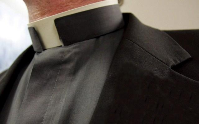 Investigan en Colombia a cinco sacerdortes por abuso sexual - Cura sacerdote padre religión Colombia