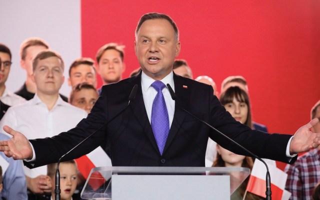 El ultraconservador Duda adelanta en comicios en Polonia, revela sondeo - Foto de EFE