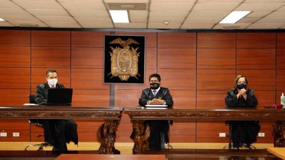 Corte niega apelación a expresidente ecuatoriano Rafael Correa - Fotografía cedida por la Corte Nacional de Justicia de Ecuador muestra a los jueces Iván León (i), David Jacho (c) y Dilza Muñoz (dcha) durante un sesión este lunes, en Quito (Ecuador). Foto de EFE/ CNJ Ecuador SÓLO USO EDITORIAL/NO VENTAS.
