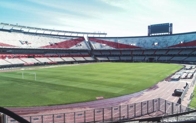Gobierno argentino aprueba protocolos y espera fecha para la vuelta del futbol - Foto de EFE