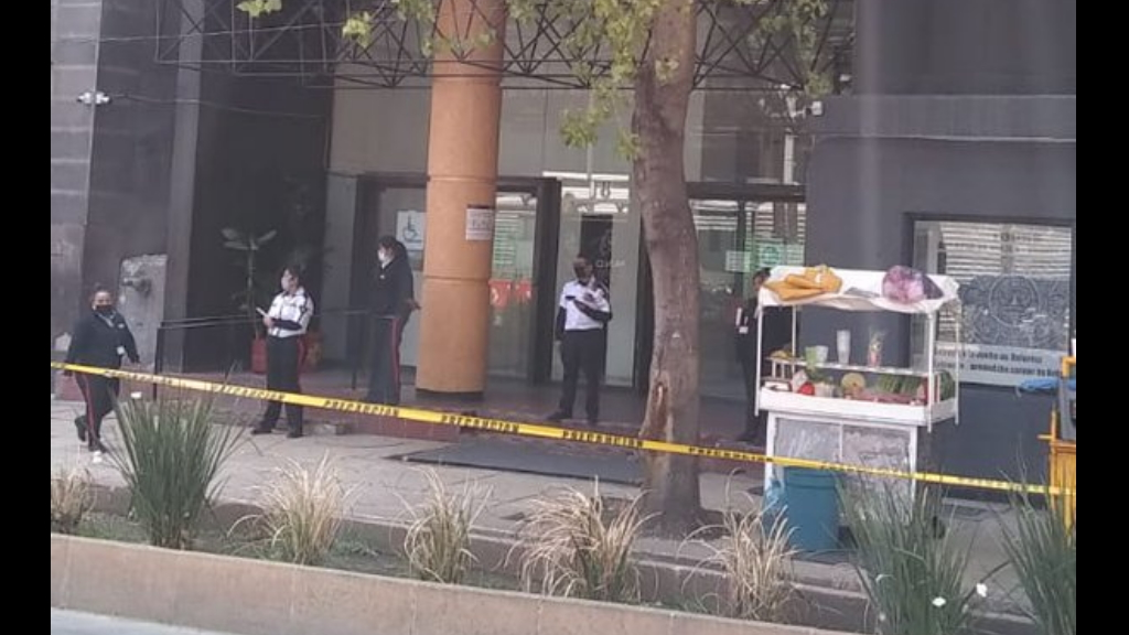 Falsa alerta de bomba en oficinas del ISSSTE en la Tabacalera provoca desalojo - Falsa alerta de bomba ISSSTE Tabacalera