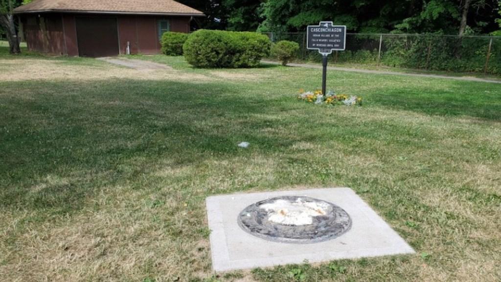 Derriban estatua de Frederick Douglas, símbolo del movimiento abolicionista en EE.UU. - Foto de Fox