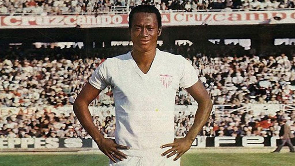 Murió 'Biri Biri', futbolista leyenda del Sevilla - Futbolista Biri Biri. Foto de @SevillaFC