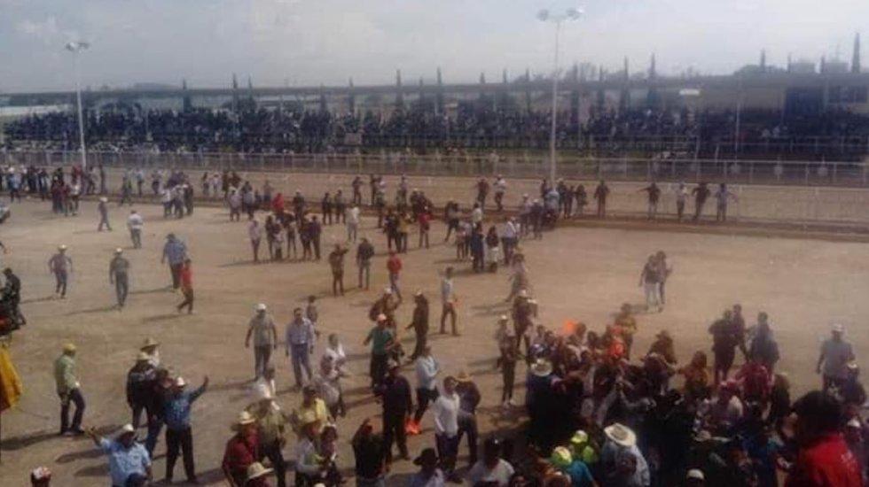 Riña en carrera de caballos en Hidalgo deja cinco muertos y dos heridos - Foto Especial.