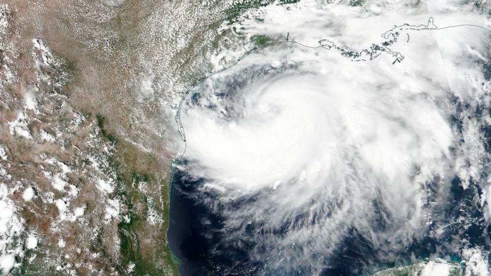 Huracán Hanna toca tierra en costas de Texas; alerta por lluvias se mantiene para NL, Tamaulipas y Coahuila - Foto de EFE