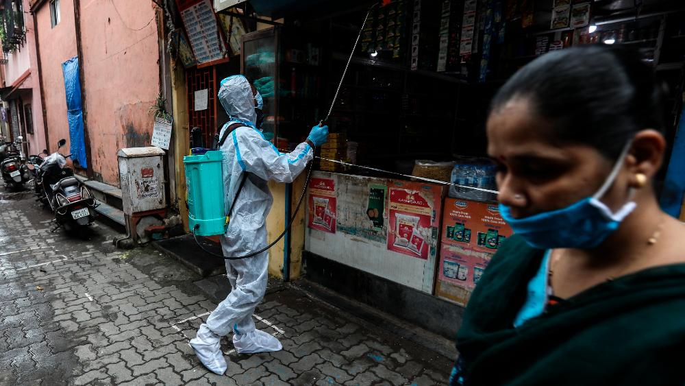 India es el tercer país con más casos de COVID-19 - Foto de EFE