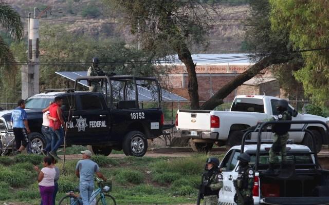 México suma 60 mil 240 homicidios dolosos en lo que va del actual sexenio - Acción de autoridades ante homicidios en Irapuato, Guanajuato. Foto de Archivo EFE/Str.