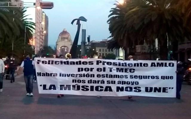 Músicos protestan en el Zócalo tras marcha; piden apoyos ante pandemia - músicos marcha zócalo