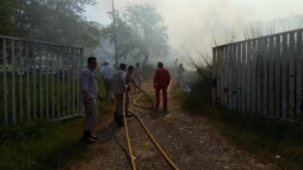 Explosión de ducto de Pemex en Veracruz deja cinco lesionados - Foto de @CNPC_MX
