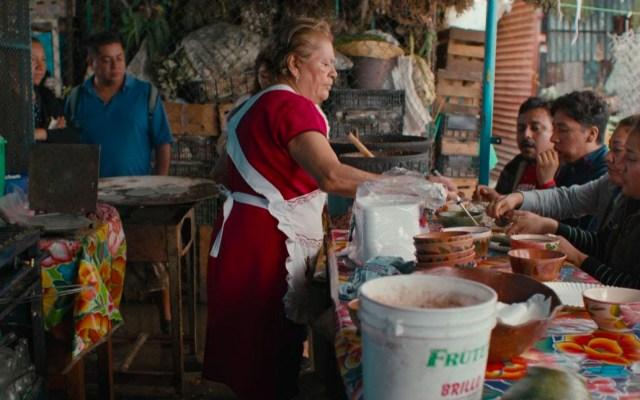 Netflix resalta riqueza cultural de la comida callejera con 'Street Food: Latinoamérica' - Puesto de comida callejera