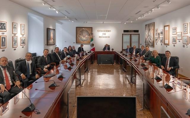 López Obrador analiza con empresarios crisis económica por COVID-19 - Reunión de López Obrador con empresarios. Foto de @lopezobrador_