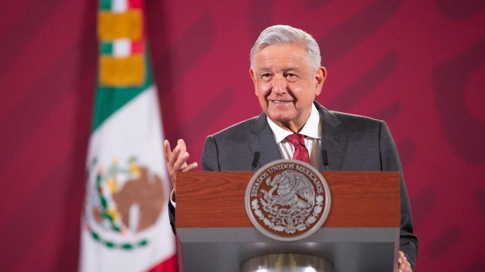 """AMLO reconoce a gasolineros, los llama """"aliados del consumidor""""; conferencia (10-08-2020)"""