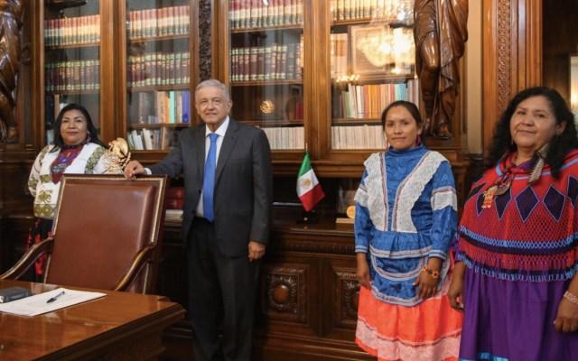AMLO se reúne con mujeres aspirantes a ocupar presidencia de Conapred - Foto de Twitter Andrés Manuel López Obrador