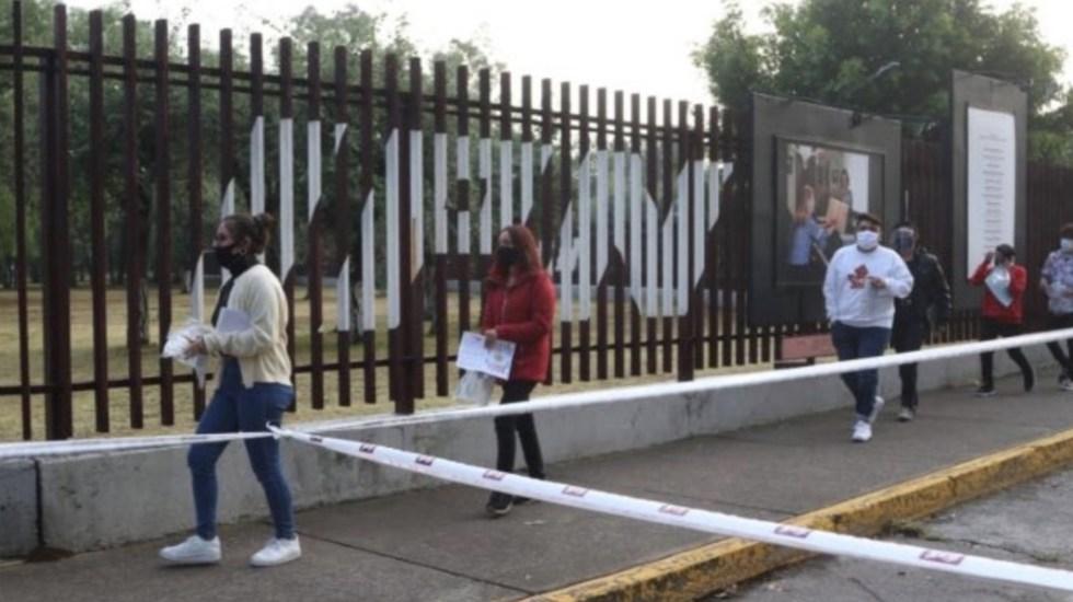 Con fuertes medidas sanitarias, inicia examen de admisión a Bachillerato - Foto de Comipems