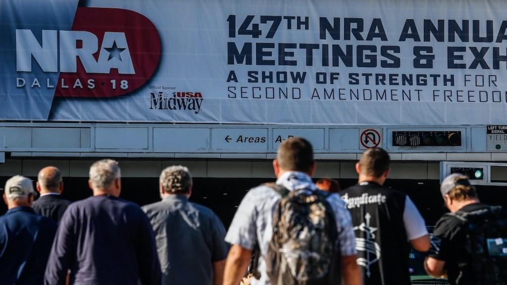 Fiscal de Nueva York pide disolución de la Asociación Nacional del Rifle - Foto de EFE