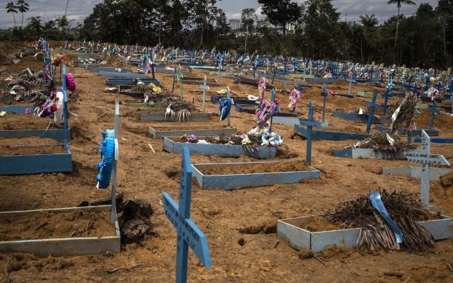 Brasil sobrepasa los 4.5 millones de casos y las 136 mil muertes por COVID-19 - Foto de EFE/Raphael Alves/Archivo.