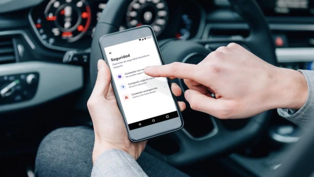 Cabify activa botón de seguridad para conductores - Foto de Cabify