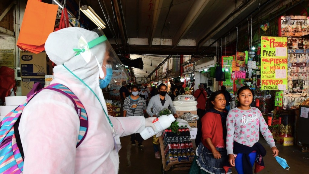 """Manejo de la pandemia en México ha sido """"muy deficiente"""", asegura Universidad Johns Hopkins - Foto de EFE"""