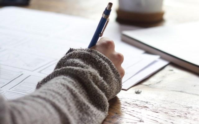 ¿Cómo descargar el comprobante credencial para examen Comipems? - Examen documentos hojas firma