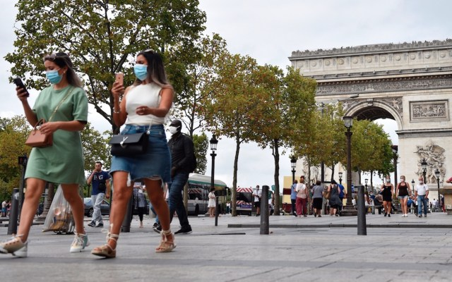 Francia supera los 3 mil contagios diarios de COVID-19; confirman repunte de la epidemia - Foto de EFE