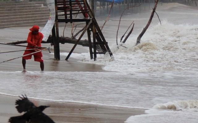 Genevieve se intensifica a huracán Categoría 4; seis entidades permanecen en alerta por fuerte oleaje - Foto de EFE