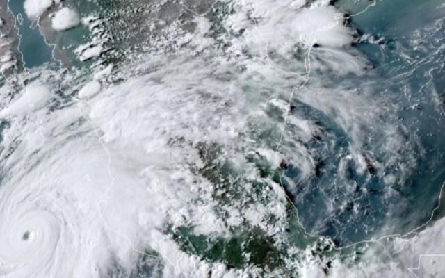 Genevieve continúa desplazamiento paralelo al Pacífico mexicano; hay alerta en seis entidades por lluvias torrenciales - Foto de NOA