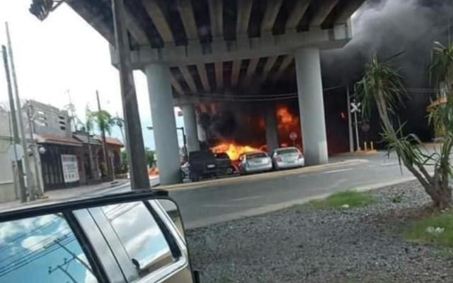 #Video Dos lesionados tras choque entre pipa y tren en Nuevo León - Foto de @nelvaldez